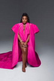 Lizzo Graces the Cover of Vogue's October 2020 Issue 4