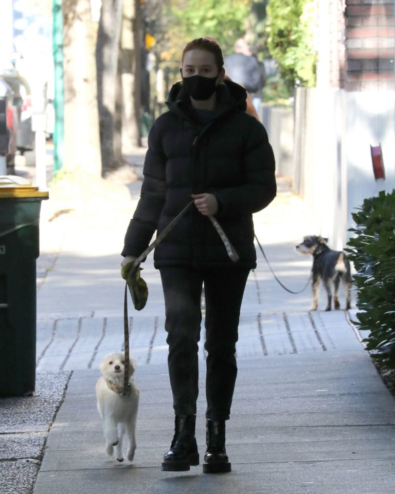 Madelaine Petsch Out with her Dog in Vancouver 2020/10/26 6