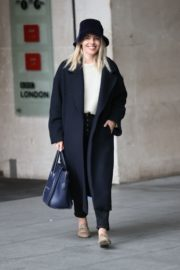 Mollie King Arrives at BBC Studios in London 2020/10/24 4