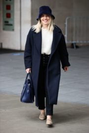 Mollie King Arrives at BBC Studios in London 2020/10/24 5