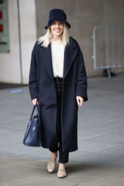 Mollie King Arrives at BBC Studios in London 2020/10/24 6