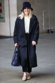 Mollie King Arrives at BBC Studios in London 2020/10/24 7