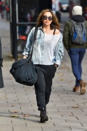 Myleene Klass Arrives at Smooth Radio in London 2020/10/26 9