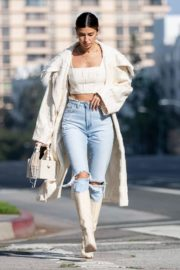 Nicole Williams in Ripped Denim Out in Los Angeles 2020/10/26 1