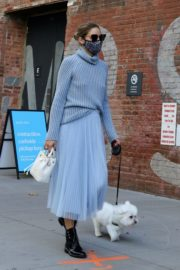 Olivia Palermo Out with Her Dog in New York 2020/10/24 12