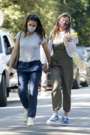 Out with Her Daughter in Los Angeles 2020/09/22 3