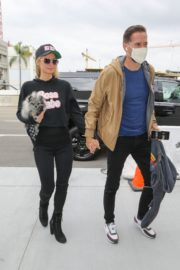Paris Hilton and  at LAX Airport in Los Angeles 2020/10/22 1