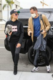 Paris Hilton and  at LAX Airport in Los Angeles 2020/10/22 4