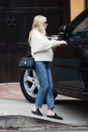 Pregnant  Out Shopping in Los Angeles 2020/10/24 4