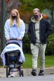 Sophie Turner and Joe Jonas Out in Los Angeles 2020/10/25 10