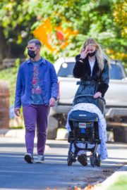 Sophie Turner and Joe Jonas walks with her baby Out in Los Angeles 2020/10/26 6