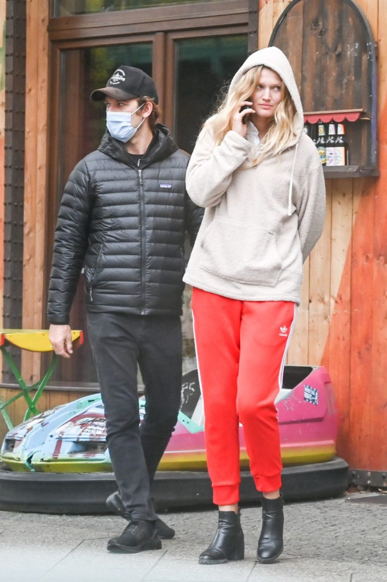 Toni Garrn Out and About in Germany 2020/10/23 6