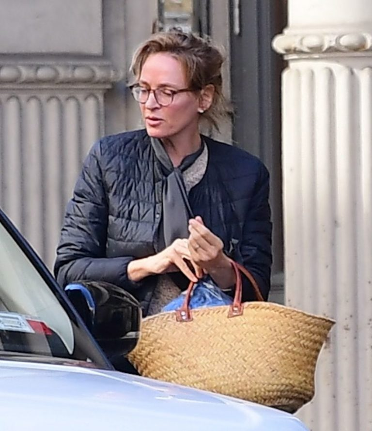 Uma Thurman Out and About in New York 2020/10/24 2