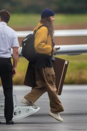 Zendaya Arrives in Atlanta to Shoot Spider-Man Set 2020/10/26 6