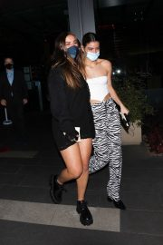 Addison Rae and Dixie D'Amelio at Boa Steakhouse in West Hollywood 2020/10/28 1
