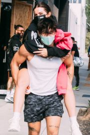 Addison Rae Gets Piggy Back Ride from Bryce Hall Out in Los Angeles 2020/11/12 2