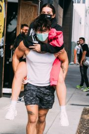 Addison Rae Gets Piggy Back Ride from Bryce Hall Out in Los Angeles 2020/11/12 4