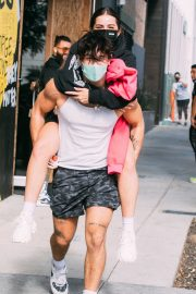 Addison Rae Gets Piggy Back Ride from Bryce Hall Out in Los Angeles 2020/11/12 6