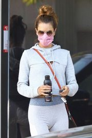 Alessandra Ambrosio Heading to a Private Workout Session in West Hollywood 2020/10/27 8