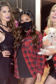 Amanda Cerny Halloween 2020 party fun with her friends in Whitneys House 2020/10/31 3