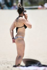 Amanda Micallef in Bikini at a Beach on Gold Coast 2020/11/14 6