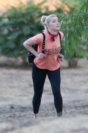 Amber Heard During Hiking Croix Top with Tight Out in Los Angeles 2020/11/16 8
