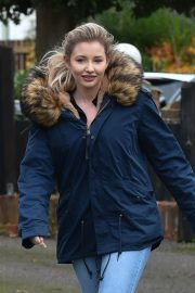 Amy Hart Out with Her Dog in West Sussex 2020/11/27 13