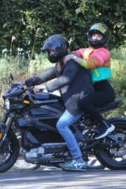 Ana de Armas and Ben Affleck Out Driving on Electric Harley Davidson in Brentwood 2020/11/27 1