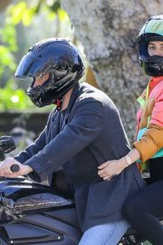 Ana de Armas and Ben Affleck Out Driving on Electric Harley Davidson in Brentwood 2020/11/27 3