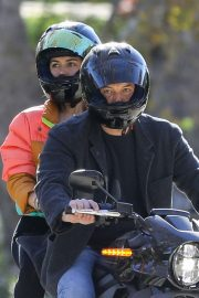 Ana de Armas and Ben Affleck Out Driving on Electric Harley Davidson in Brentwood 2020/11/27 5