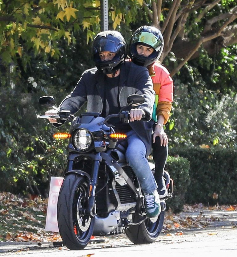 Ana de Armas and Ben Affleck Out Driving on Electric Harley Davidson in Brentwood 2020/11/27 10