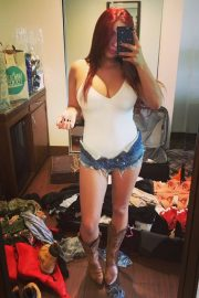 Ariel Winter Shares Selfie Photos in Instagram 2020/11/26 2