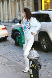Arrives at Her Apartment in New York 2020/11/23 9