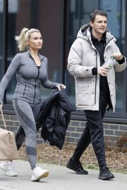 Billie Faiers with her friends Leaves Ice Rink in Essex 2020/11/26 5