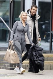 Billie Faiers with her friends Leaves Ice Rink in Essex 2020/11/26 8