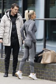 Billie Faiers with her friends Leaves Ice Rink in Essex 2020/11/26 10