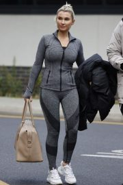 Billie Faiers with her friends Leaves Ice Rink in Essex 2020/11/26 12