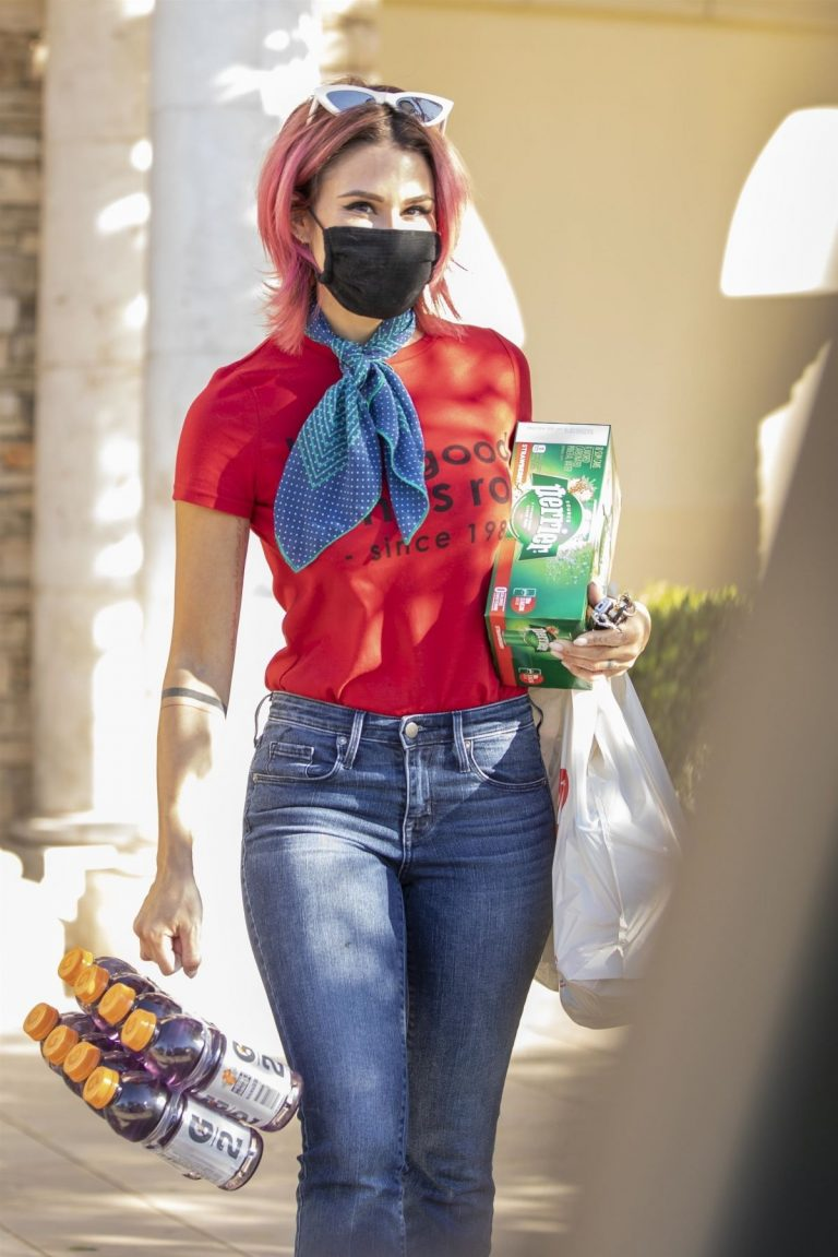Brittany Furlan in Red and Blue Outfit Out Shopping in Los Angeles 2020/10/28 3
