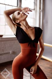Candice Swanepoel for Tropic of C Movement 2020 Collection Photos 23