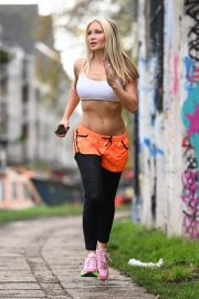 Caprice Bourret Flashes her Toned Abs During Jogging in London 11/23/2020 3