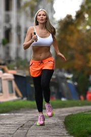 Caprice Bourret Flashes her Toned Abs During Jogging in London 11/23/2020 5