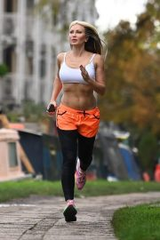 Caprice Bourret Flashes her Toned Abs During Jogging in London 11/23/2020 6