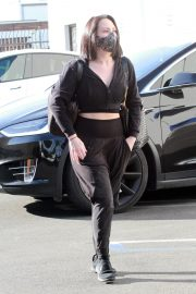 Cheryl Burke Arrives at DWTS Rehearsal in Los Angeles 2020/11/22 6
