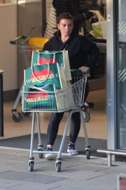 Coleen Rooney Out Shopping in Alderley Edge 2020/11/13 5