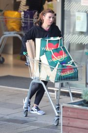 Coleen Rooney Out Shopping in Alderley Edge 2020/11/13 7