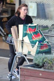 Coleen Rooney Out Shopping in Alderley Edge 2020/11/13 8