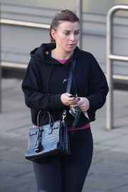 Coleen Rooney Out Shopping in Alderley Edge 2020/11/13 9