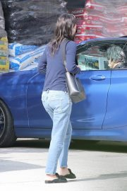 Courteney Cox in Navy Blue Sweater with Denim Out in Malibu 2020/11/23 2