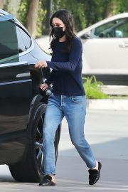 Courteney Cox in Navy Blue Sweater with Denim Out in Malibu 2020/11/23 6