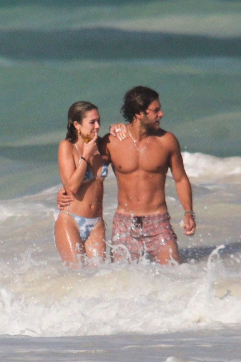 Delilah Belle Hamlin in Bikini and Eyal Booker at a Beach in Tulum 2020/11/26 3